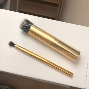 Brand New Tarte Foundation and Eyeshadow Brushes